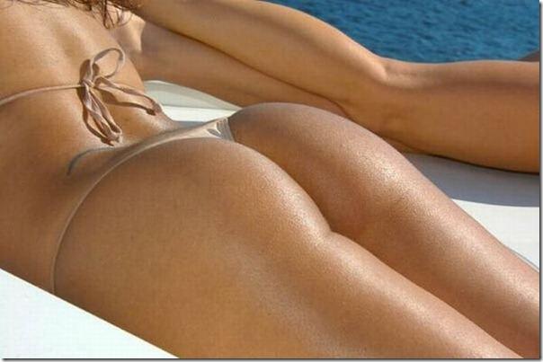 Garotas em iates de biquíni (4)