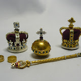 DenRonCollectionsAlbumNr42MiniatureRoyalCrowns