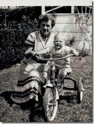 Freada & Ron-1951
