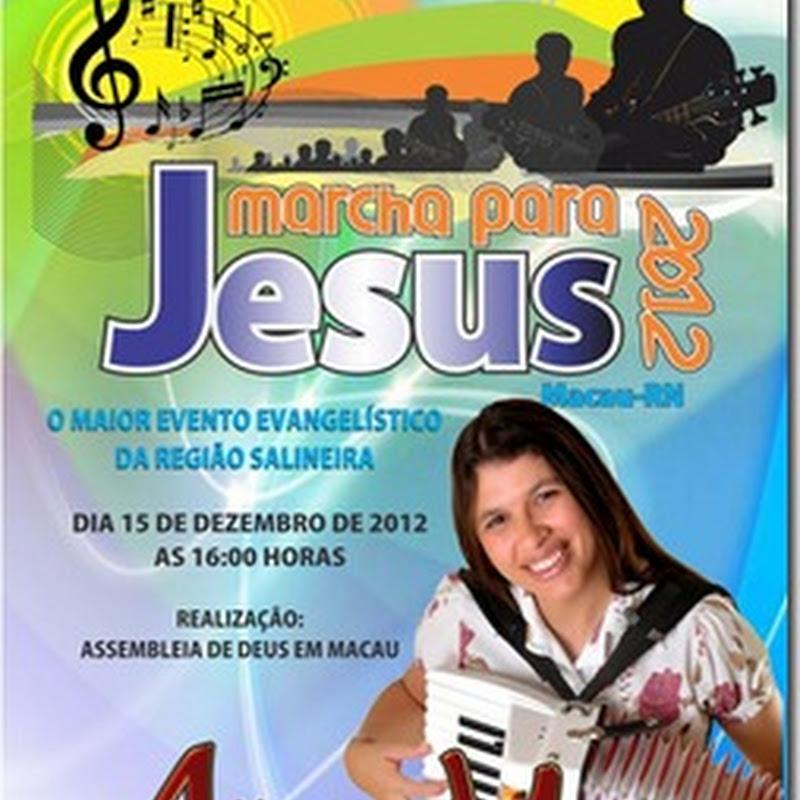 "Alice Maciel e banda, na ""Marcha Para Jesus"" em Macau-RN"