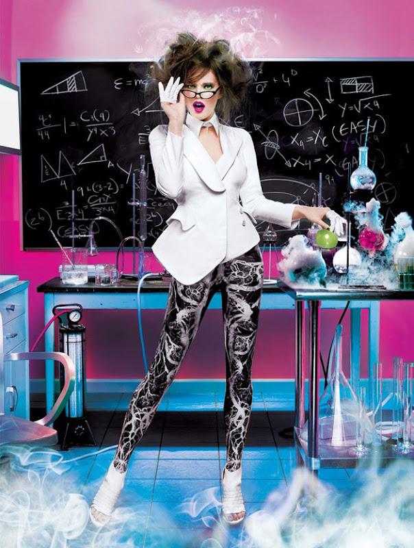 ShockBlast-Maybelline-Calendar-2012-15-625127.jpg