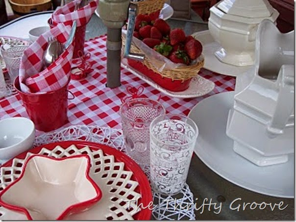 red & white lunch 051