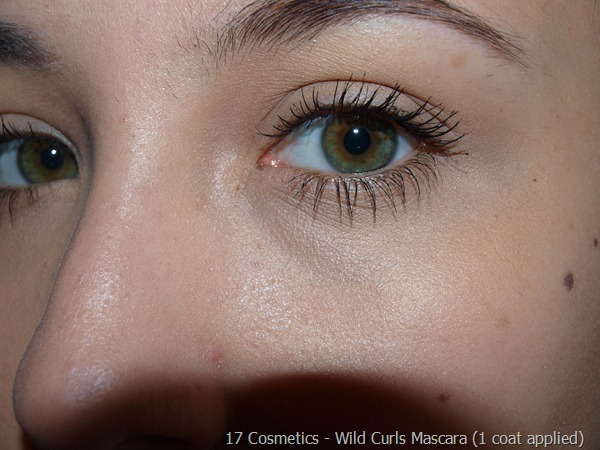 05-01-17-Cosmetics-Mascara-Review Wild Curls 1 coat
