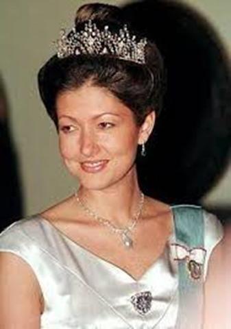 La entonces Princesa Alejandra luciendo la tiara