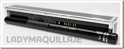 perfect-eyeliner-jorge-de-la-garza