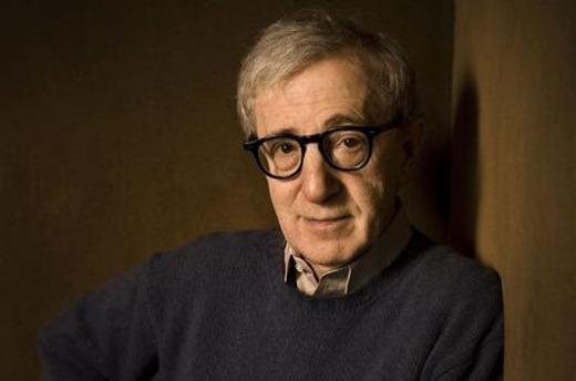 Woody-Allen-se-lleva-el-Óscar-al-mejor-guió-original-por-Midnight-in-Paris