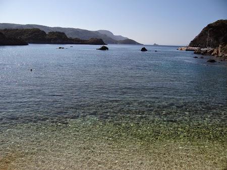 03. Plaja cu pietris.JPG