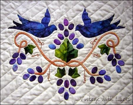 Appliqué Quilt - Vintage with Laces