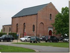 Ulbeek, oude kerk thans omgevormd tot overdekte begraafplaats