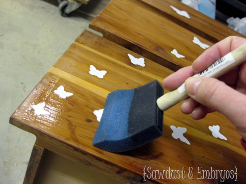 When using VInyl as a stencil, be sure to poly over it first to seal the edges and prevent paint-seepage! {Sawdust and Embryos}