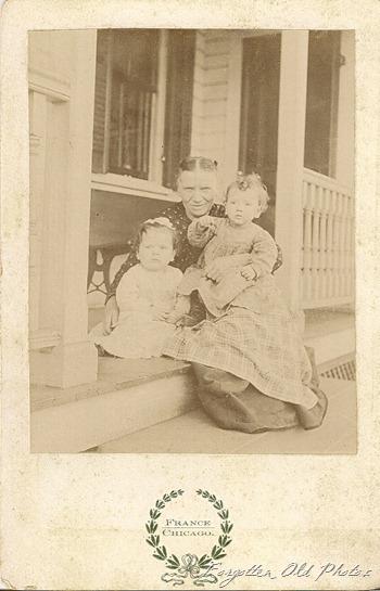 Grandma and grandkids Solway Cab Card