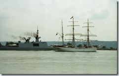 2003.07.03-161.21 voilier Statsraad Lehmkuhl sur la Seine