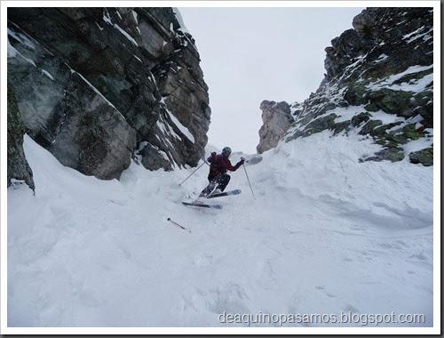 Esqui Couloir de l'ENSA 400m D- 4.1 E2 S4 42º (Brevent, Chamonix, Alpes) (Omar) 0646