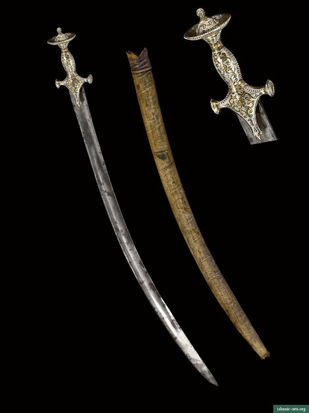 A RARE HORSE-HILTED DAGGER AND RELATED TALWAR AND SCABBARD, INDIA