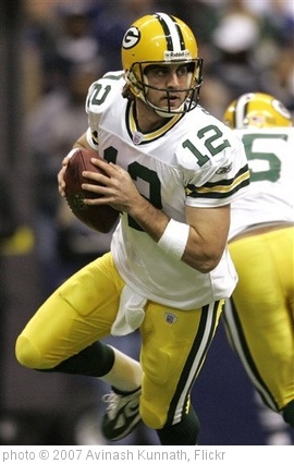 'Packers Cowboys Football' photo (c) 2007, Avinash Kunnath - license: http://creativecommons.org/licenses/by/2.0/