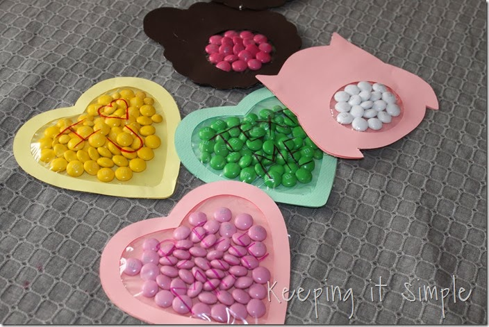 Valentine's-Day-M&M-Candy-Pouches #freeprintable (5)