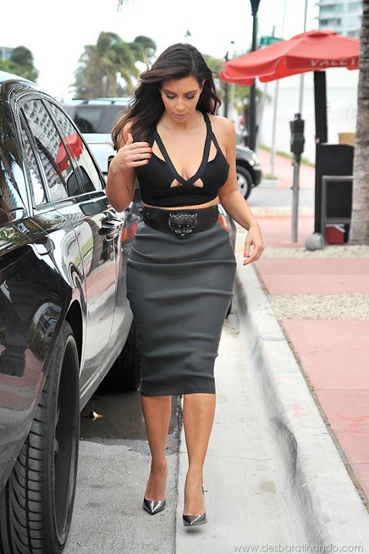 kim-kardashian-linda-sensual-sexy-sedutora-boob-peitos-decote-ass-bunda-gostosa-desbaratinando-sexta-proibida (59)