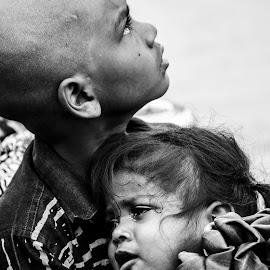 Mom where are you? by Gopal Nair - Babies & Children Children Candids ( gopal nair, devotion, thirupathi )