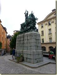 20130723_Statue Gamla Stan square (Small)
