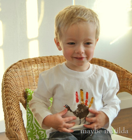 Turkey Handprint Shirt-001