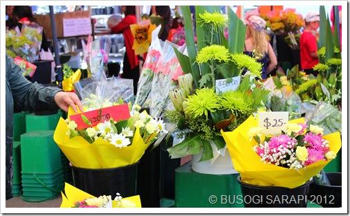 FLOWER STALL, ROCKLEA SUNDAY DISCOVERY MARKET© BUSOG! SARAP! 2012