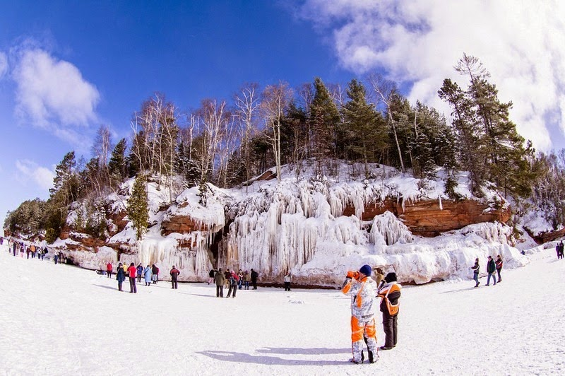 lake-superior-ice-cave-9