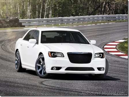 Chrysler 300 SRT83