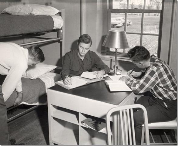 college-dorm-rooms-11