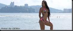 Modelo Top na praia de Santos
