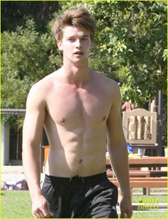 patrick-schwarzenegger-shirtless-run-28