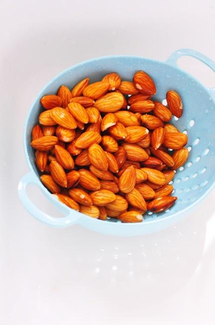 almond_milk_2