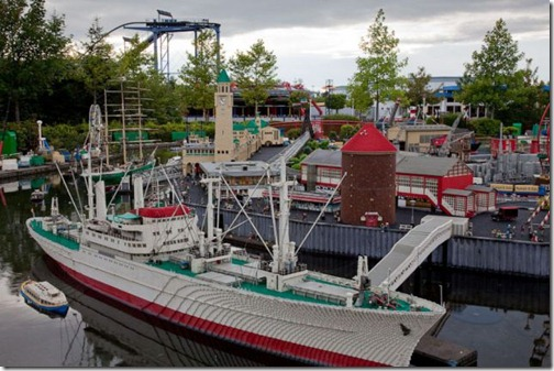 the_craziest_lego_model_is_in_germanys_legoland_640_02