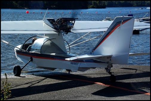 Seaplane fly in 068