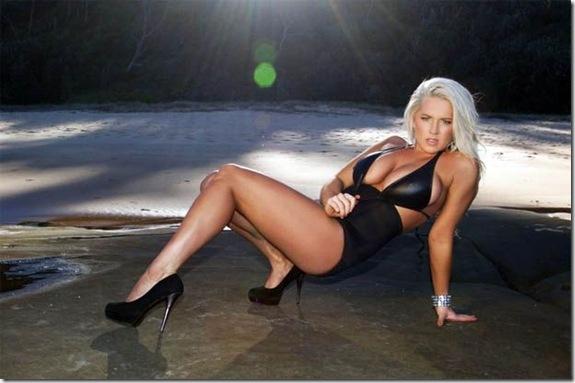 Jessie-Byrne-big-chest-3