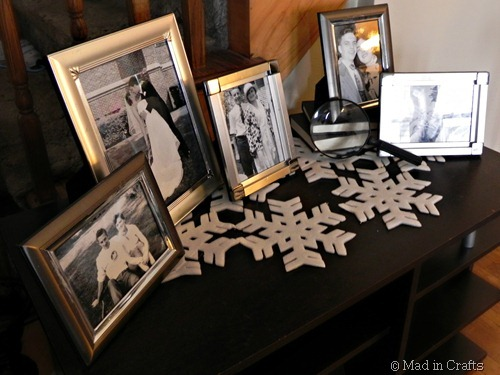 family photos on snowflake runner
