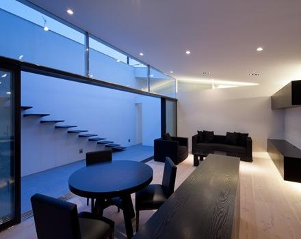 Casa mur dise o minimalista al estilo japones arquitexs for Casa minimalista interior blanco
