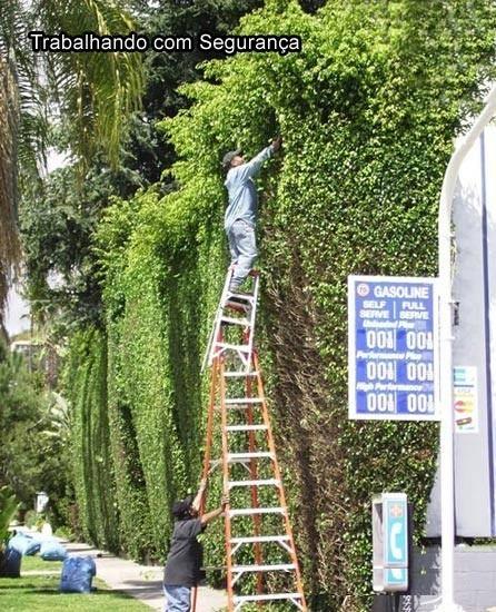 Invenção Perigosa - Trabalhando com escada - Profissão perigo - muito arriscado 05