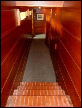 13-narrow-hallway