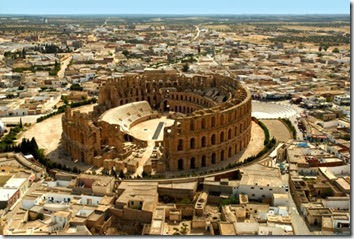 Amphitheater-ruins-in-El-Jem-by-helicopter