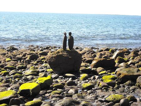 Porţiunea stȃncoasă din plaja din Playa Quemada Lanzarote