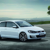 2014-VW-Golf-GTI-3.jpg