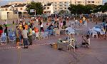 A les vuit i mitja la gent anava col·locant les cadires i es preparava l'equipament