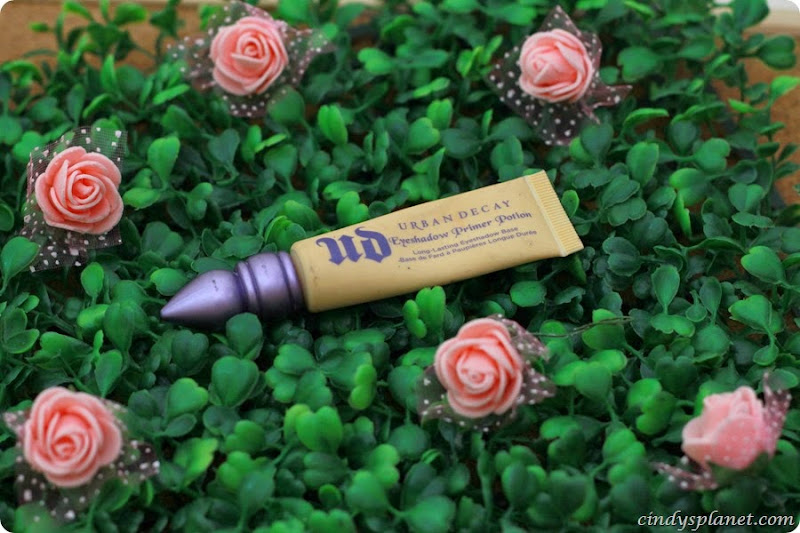 Urban Decay Eyeshadow Primer6