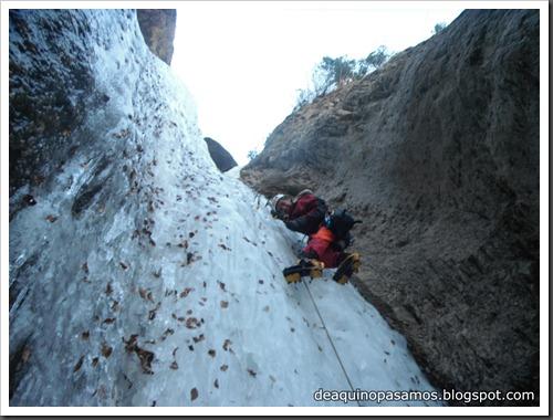 Cascada de Hielo de La Sarra 250m WI4  85º (Valle de Pineta, Pirineos) (Pep) 3320