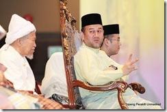 Sultan Muhamad V & Nik Aziz