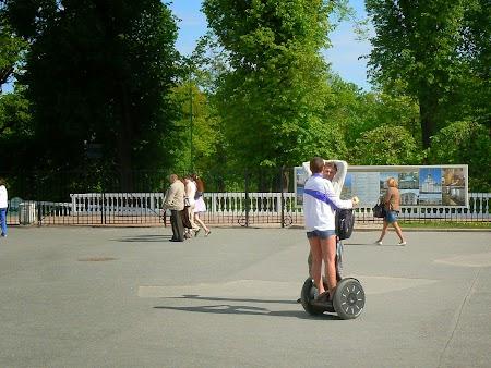 Circuit Rusia: Segway la Petrodvaret