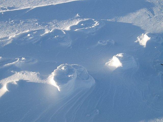raised-footprints-snow-3