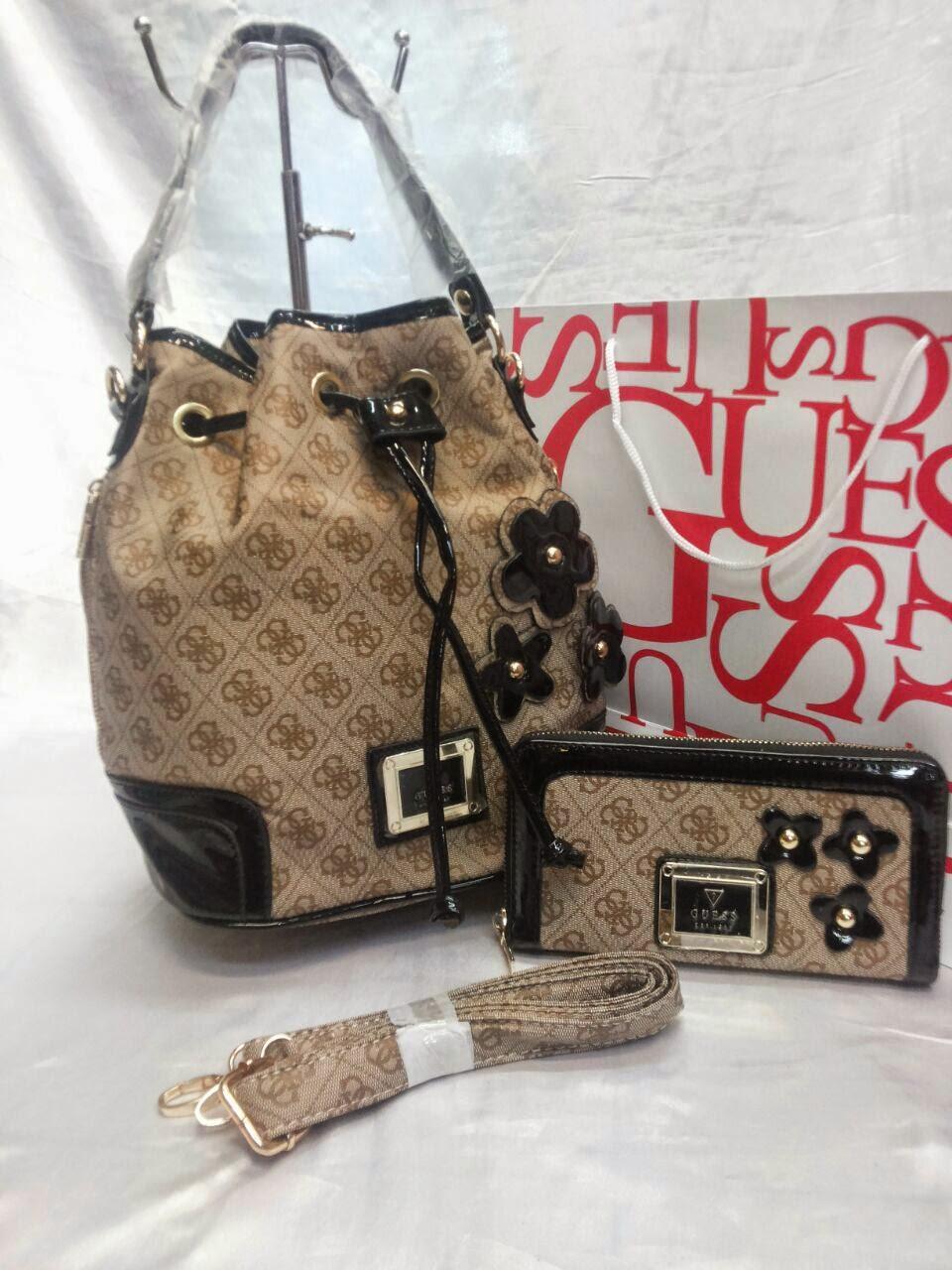 Handbags   Closets  Handbag GUESS Special Offers! a85a8edc1dc