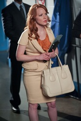 Lauren Ambrose is Jilly Kitzinger