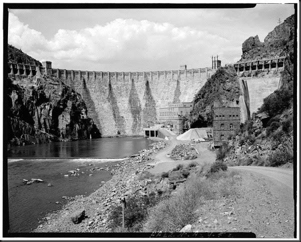 748px-Roosevelt_Dam_1984